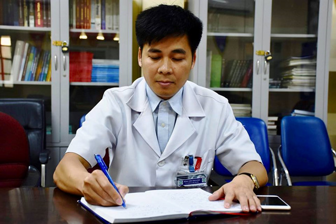 Bác sĩ Nguyễn Quang Hùng