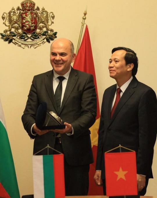 2 vị bộ trưởng của 2 nước