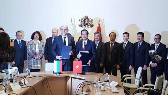 Lễ ký kết hợp tác giữa các nguyên thủ