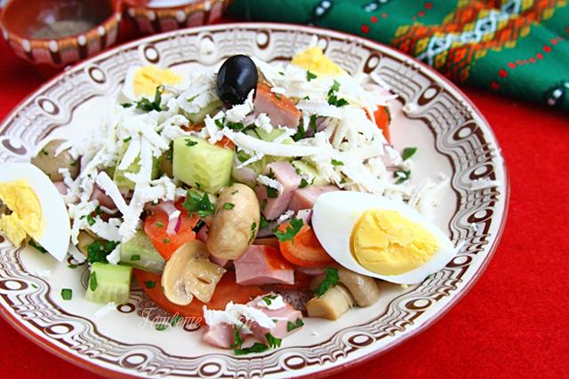 Ẩm thực Bulgaria - Ovcharska salad