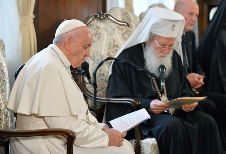 Giáo hoàng và Thượng phụ Bulgaria Neophyte (phải) đã có một buổi hội đàm