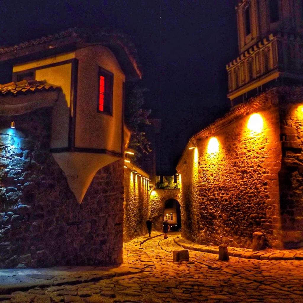 phố cổ Plovdiv là nơi có những con đường được lát đá cuội và các ngôi nhà đẹp tựa tranh vẽ