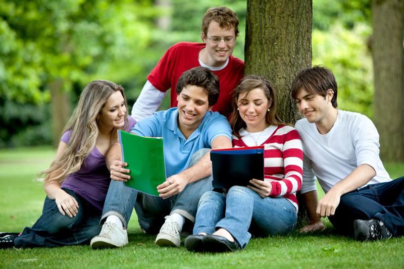 TOEFL và IELTS là 2 chứng chỉ ngoại ngữ bắt buộc phải có khi du học Mỹ
