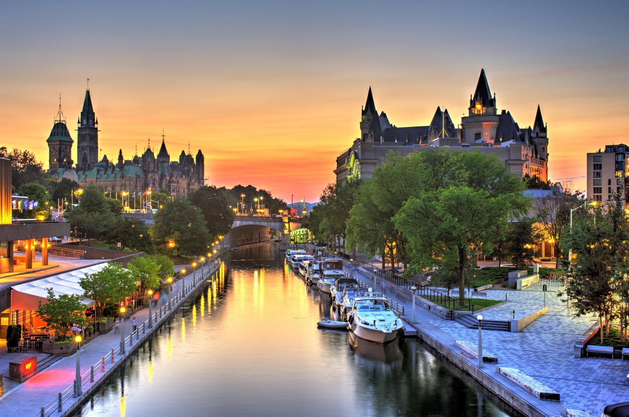 Ottawa còn được biết đến như là trung tâm giáo dục công nghệ cao, khoa học kỹ thuật, y học, khoa học